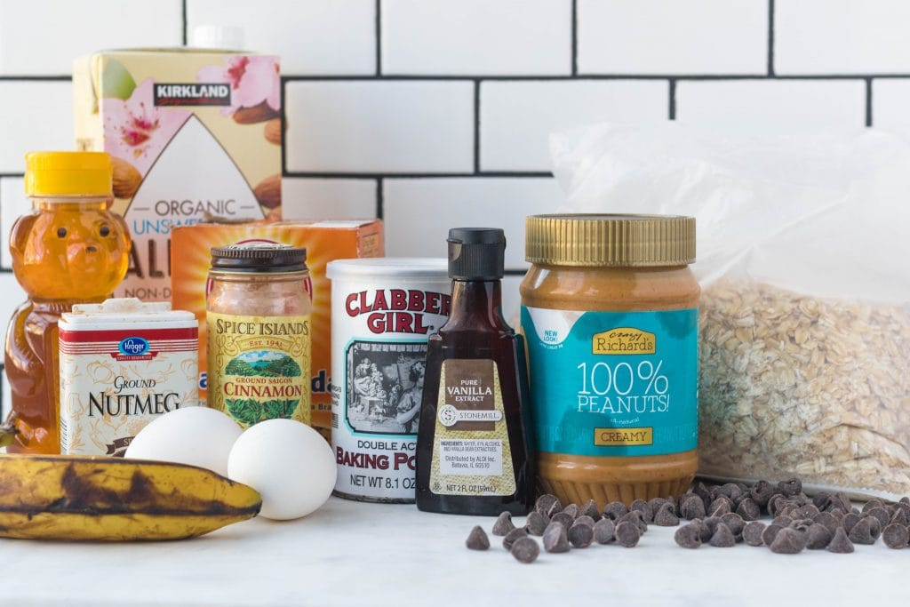 all the ingredients displayed for flourless banana oatmeal muffins