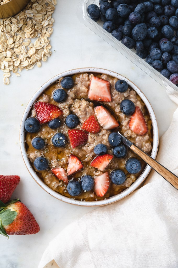 instant pot oatmeal with berries on top.