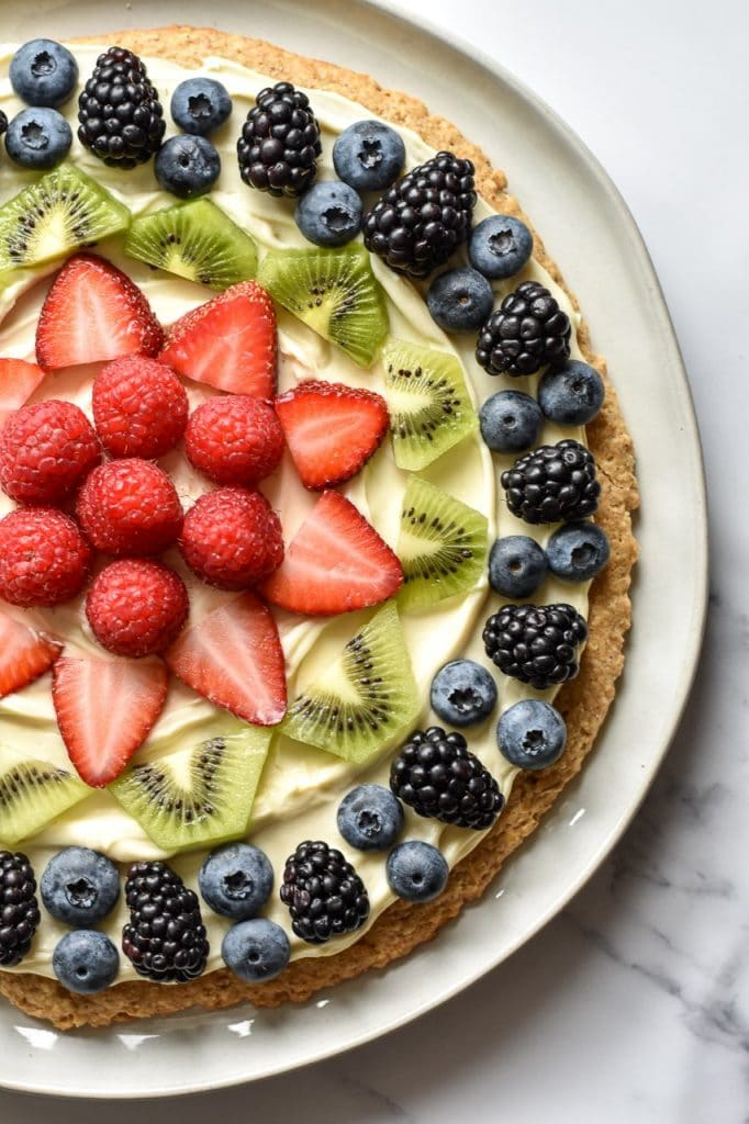 healthy spring recipe of a fruit pie.