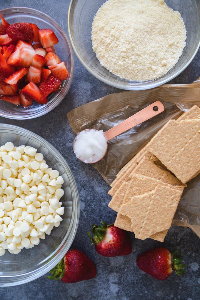 ingredients for no bake strawberry shortcake bites.